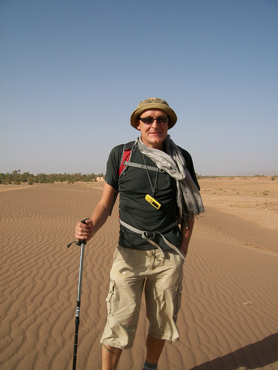 Antony Jones trekking across the Sahara Desert